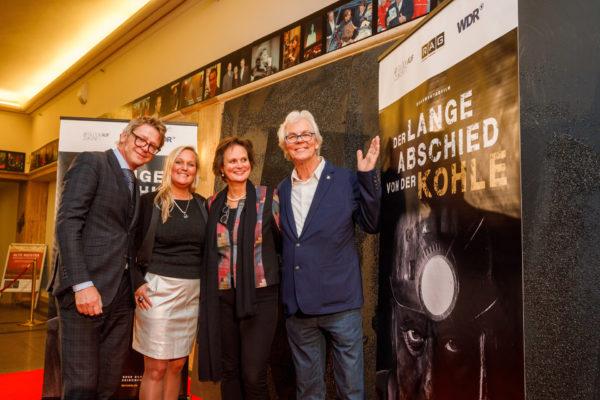 WDR-Programmchef Kultur und Wissenschaft Matthias Kremin mit Redakteurin Beate Schlanstein und den Regisseur/in Petra Neukirchen und Werner Kubny